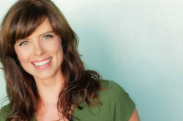 Interview:  Torri Higginson Talks HawaiiCon