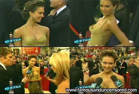 Jessica Alba - Red Carpet Fashion Awards