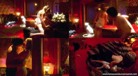 Sarah Carter Nude Sexy Scene Smallville Wedding Kissing Emo