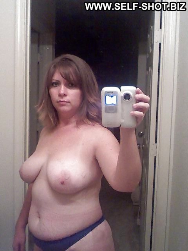 Arcelia Chubby Softcore Nude Self Shot Girlfriend Amateur