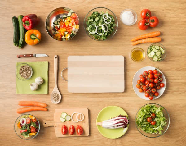 Take the 100 Meal Journey with the Dietitions of Canada for Nutrition Month. Start making healthy changes today that will lead to longer healthier life tomorrow.