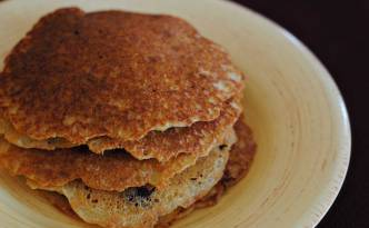 Quinoa Almond Pancakes | Confessions of a Midnight Baker