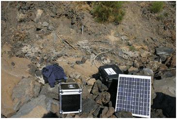 Foto 3 – Stazione sismica mobile (Osservatorio Etneo, INGV)