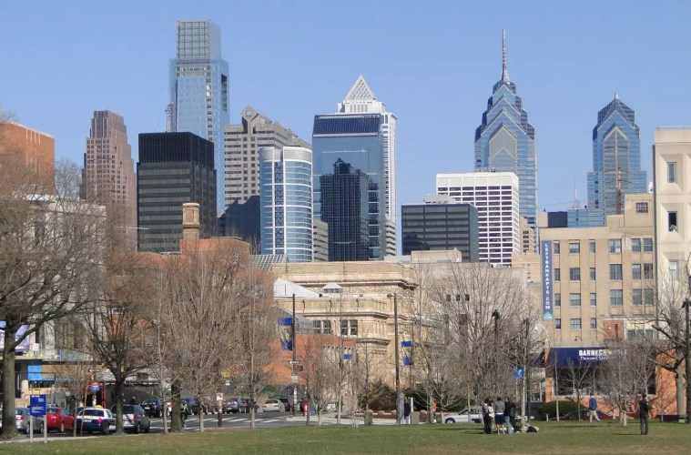 Philadelphia Airport Hotels, View of Philadelphia Skyline, Photo Adam Jones under CC BY 2.0
