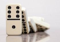 dominos-small