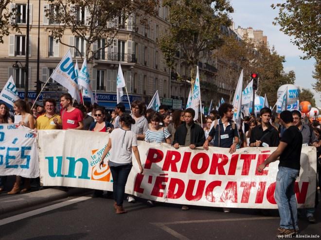 """Manifestation de """"syndicats"""" étudiants (Crédits : Rafael Lopez, licence CC-BY-NC-ND 2.0), via Flickr."""
