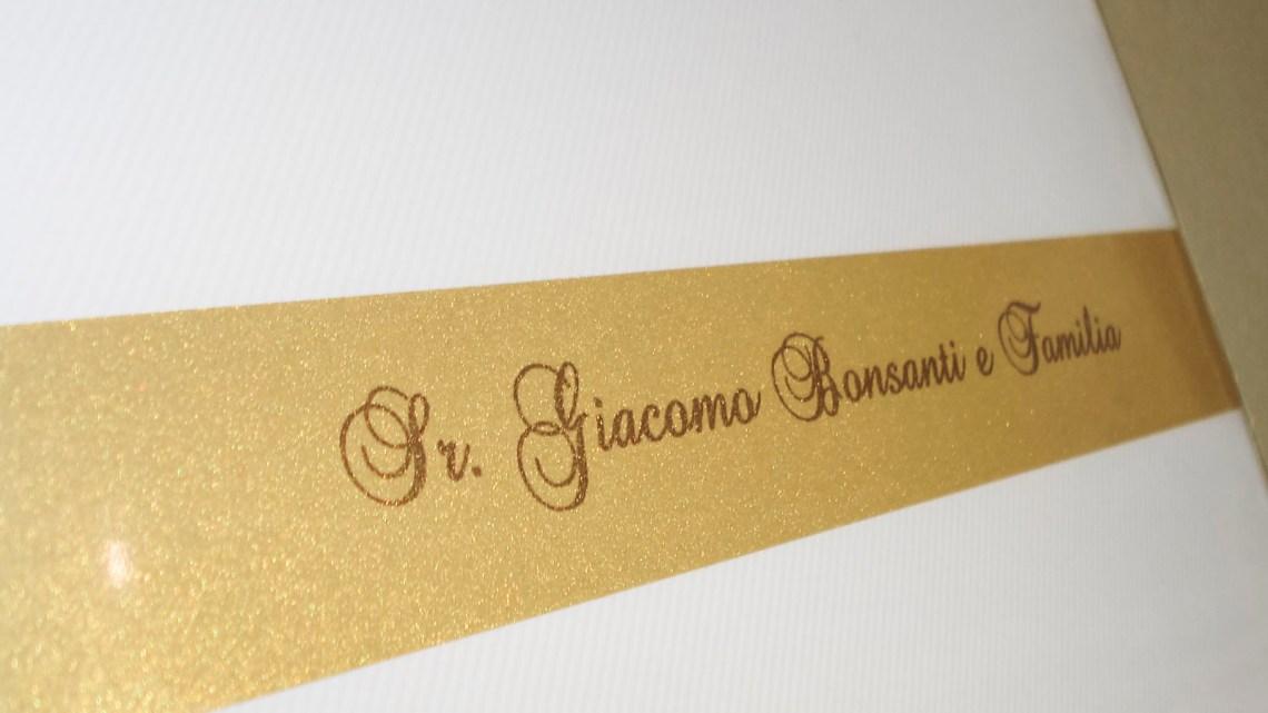 Faixa de papel com o nome do convidado