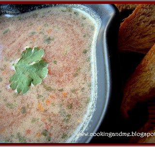 Simple Tomato Soup Recipe with Garlic Toast (Recipe)