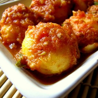 Indian Potatoes in Red Coriander Sauce {Recipe}