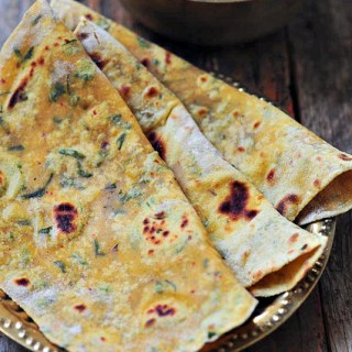 Methi Thepla – Gujarati Methi Thepla Recipe