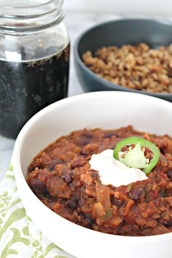 5-ingredient chili m perfect for football season!