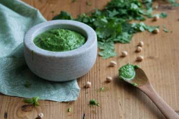 Chickpea And Coriander Chutney
