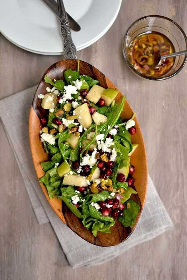 Arugula & Pear Salad with Pomegranate Vinaigrette