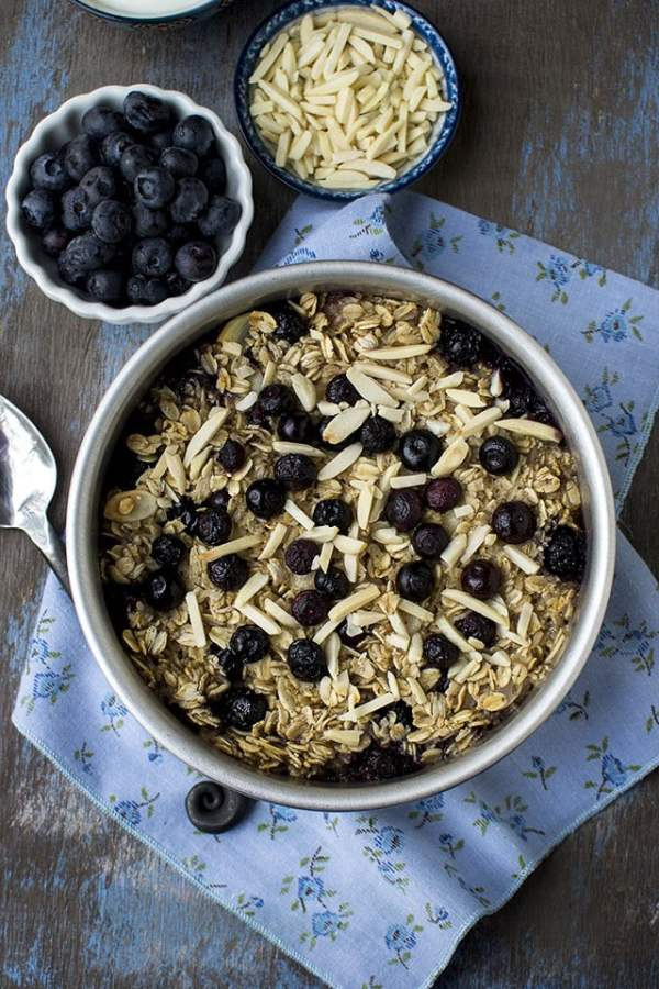 Baked Oatmeal with Coconut milk and Blueberries