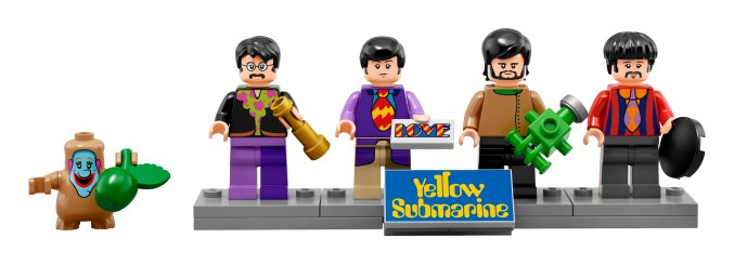lego-beatles-yellow-submarine-1