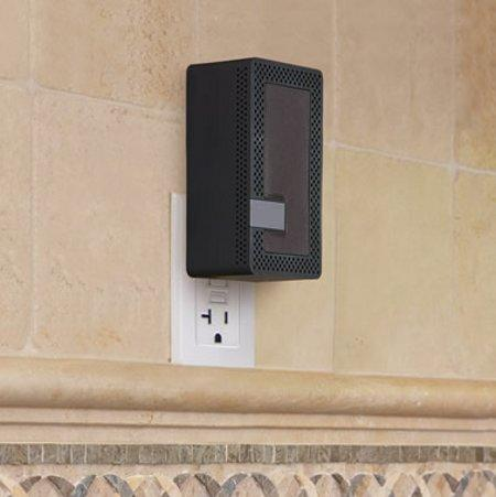 wall-outlet-bt-speaker