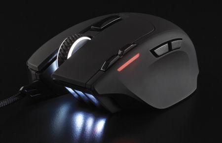 corsair-gaming-sabre-rgb-mouse