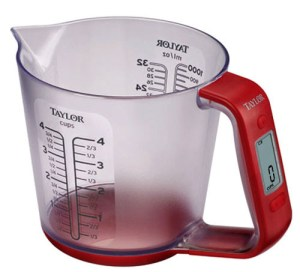 The Smart Measure Cup has an LCD for precise measurement and conversion.