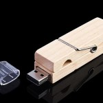 Wooden Clip Flash Drive keeps your data close