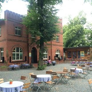 Landhaus Dessau Biergarten