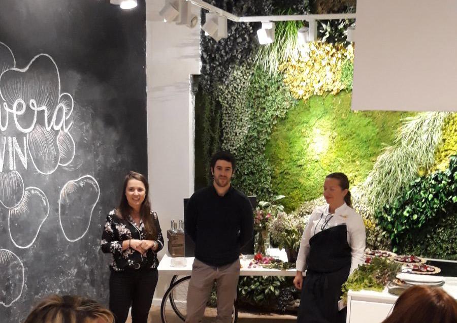 Cristina Hernández (Carpe Diem Comunicación), Andrés Cester (CEO y cofundador de Colvin) y Iolanda Bustos