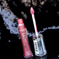 L'oreal Glam Shine 6 Hour Mauve Gloss is one Curvy Chic to Gloss you out.....