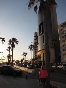 Uno dei tratti più vivaci della Corniche, subito dopo gli Scogli del Piccione