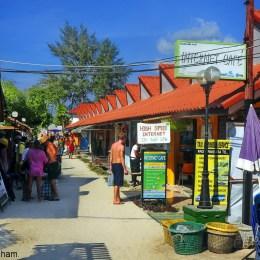 Thailand_Lipe_Island_walking_street_2228_1