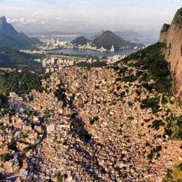Rio, a spasso nella Rocinha,  la favela grande come una città