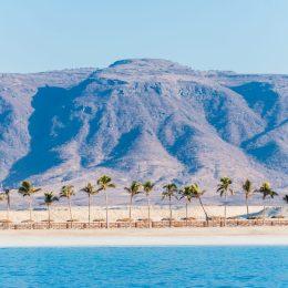 Oman, il sultanato felice,  deserto e spiagge infinite