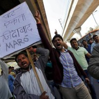 "India, è guerra civile. I cittadini: ""Ridateci i Marò"""