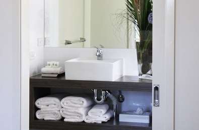bathroom-two-bedroom-bayview