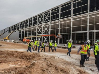 New paint shop facility at Bowling Green Corvette Assembly adds 870,000 square feet to the facility.