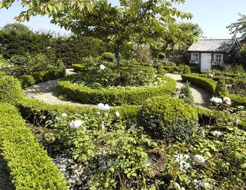 Parterre Garden with Wendy House