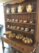 opening-the-tea-set-broadway-cotswolds-concierge (10)