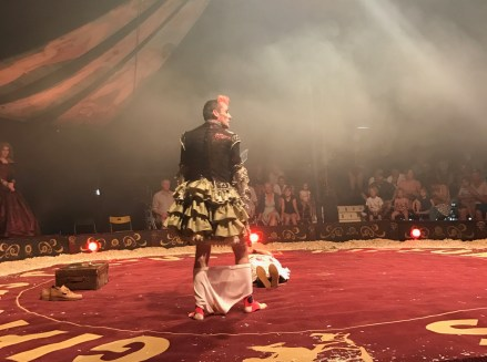 giffords-circus-any-port-in-a-storm-cotswolds-concierge (25)