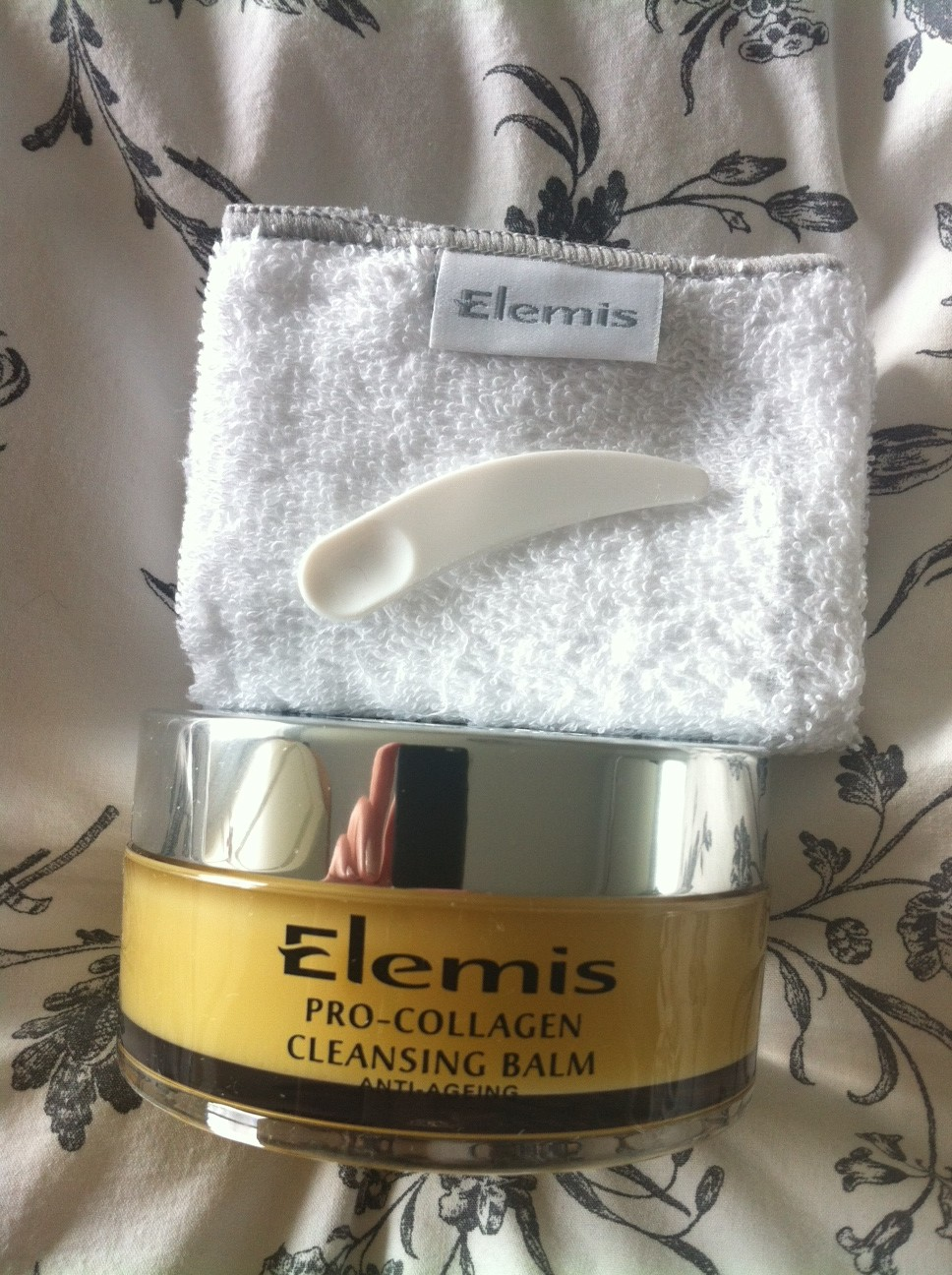 Autumnal cleansing: L'Oreal Skin Perfection range and Elemis Pro Collagen Cleansing Balm