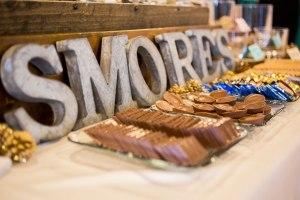 wedding-detail-photos-reception-details-wedding-cake-desserts-minneapolis-wedding-photographer-01