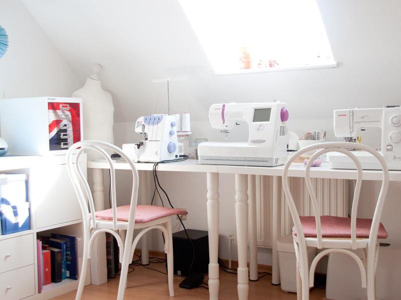 inspiration fotos aus unserem h bschen neuen n hzimmer. Black Bedroom Furniture Sets. Home Design Ideas