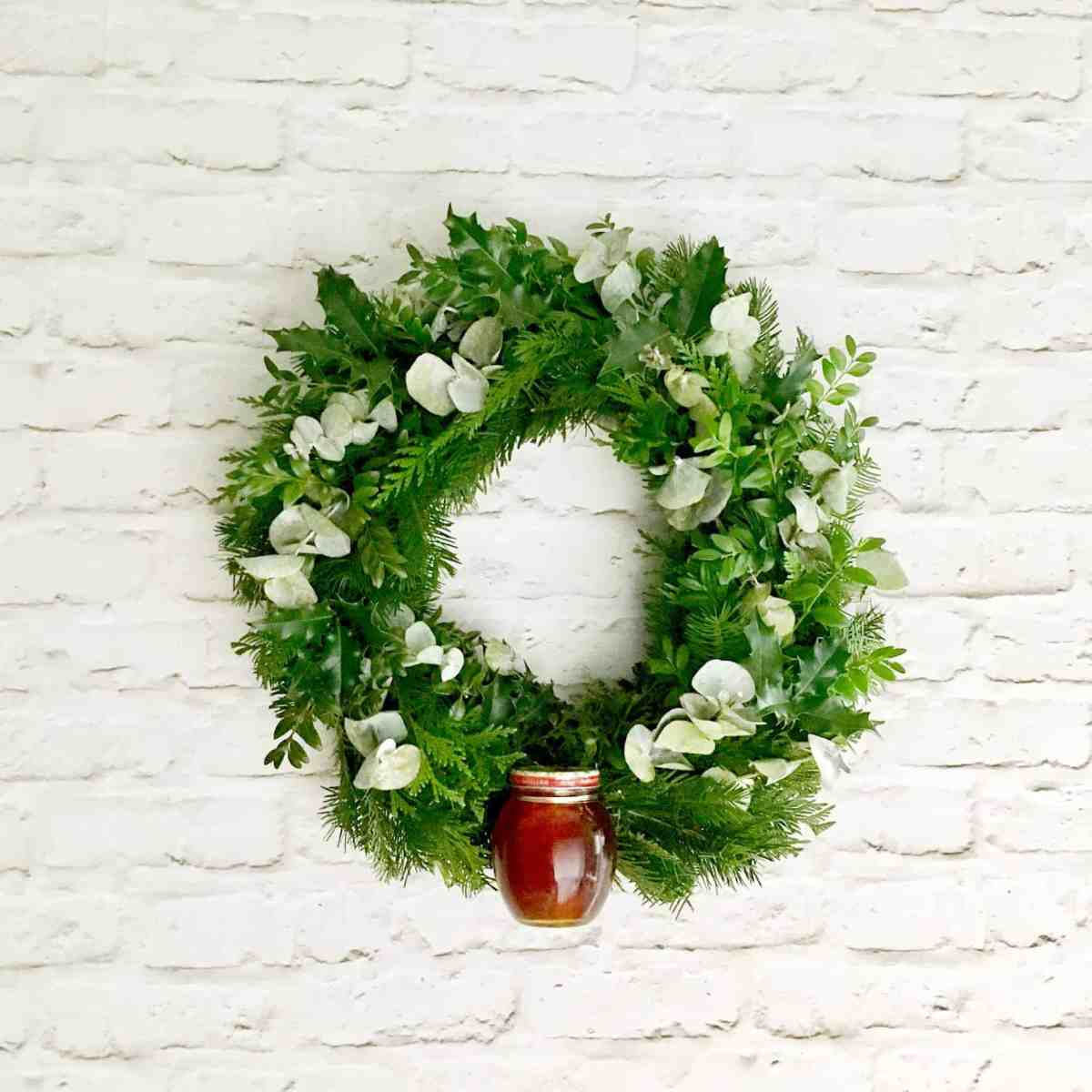 Holiday Gift Wreath with Honey Tutorial