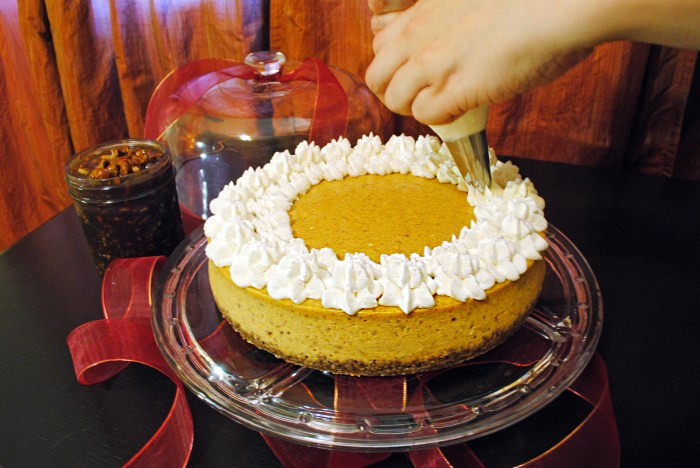 pumpkin cheesecake piping whipped cream