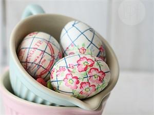 tehnica servetelului - 17 modalitati creative de a decora ouale de Paste