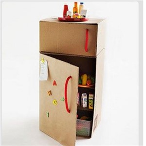 frigider de carton - o lume de vis pentru copii din cutii de carton