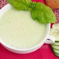 Sopa fría de pepino y albahaca