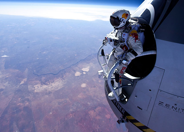 felix-baumgartner-red-bull-stratos-017