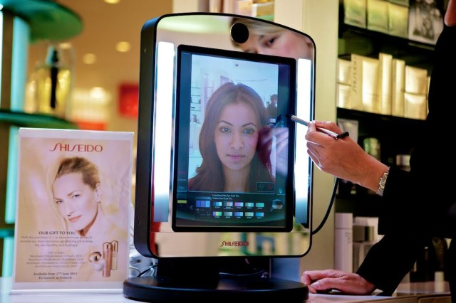 10 Examples of Augmented Reality in Retail Guerrilla Marketing Photo