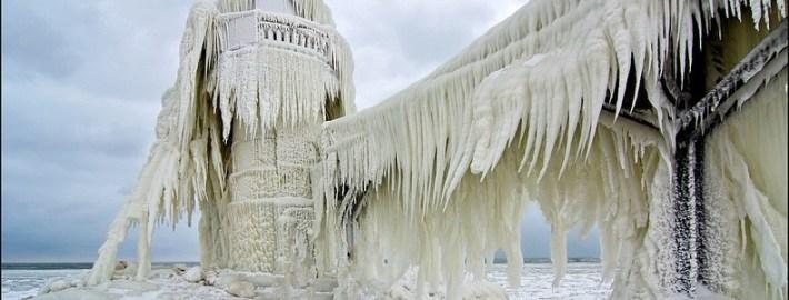 frozen-lighthouses-5[6]