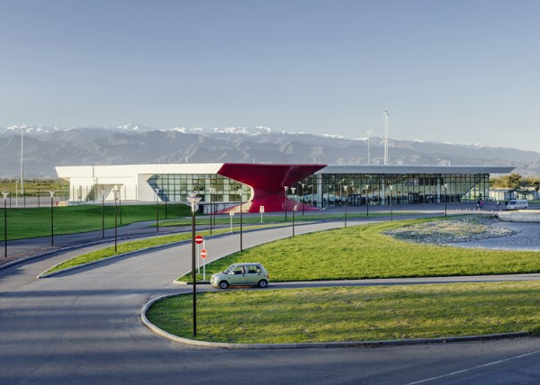 Kutaisi-Internatioinal-Airport-by-UNStudio_dezeen_ss_1