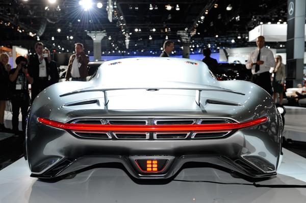 Mercedes-Benz-AMG-Vision-Gran-Turismo-Concept-rear-profile