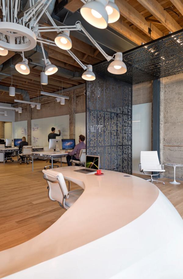 giant pixel office 3